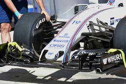 Williams FW38 nose detail
