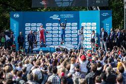 Podium: winnaar Nicolas Prost, Renault e.Dams; tweede Bruno Senna, Mahindra Racing; derde Jean-Eric