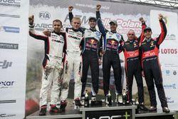 Podium: Sieger Andreas Mikkelsen, Anders Jäger, Volkswagen Polo WRC, Volkswagen Motorsport; 2. Ott T