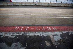 Pit Lane sign