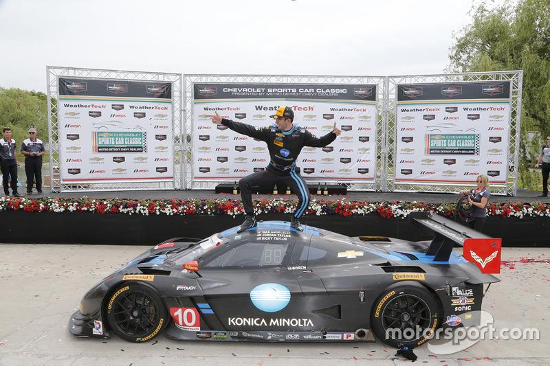 Ganador Jordan Taylor celebra