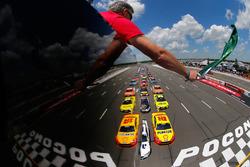 Start: Brad Keselowski, Team Penske Ford leads