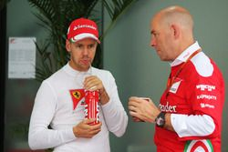 Sebastian Vettel, Ferrari avec Jock Clear, directeur de l'ingénierie Ferrari