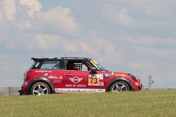 #73 MINI JCW Team MINI Cooper John Cooper Works: Derek Jones, Mat Pombo