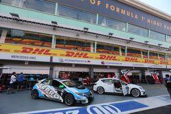 Rafaël Galiana, Honda Civic TCR, West Coast Racing and Loris Hezemans, SEAT León Cup Racer, Target Competition