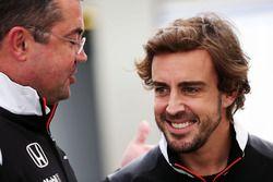 Eric Boullier, McLaren Racing Director with Fernando Alonso, McLaren