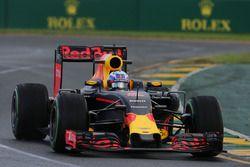 Daniel Ricciardo (Red Bull Racing RB12)