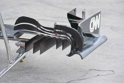 Détail de l'aileron avant de la McLaren