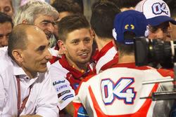 Casey Stoner feliciteert Andrea Dovizioso, Ducati Team met zijn tweede plaats