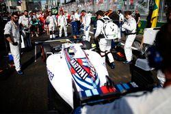 Felipe Massa, Williams FW38, arriveert op de startopstelling