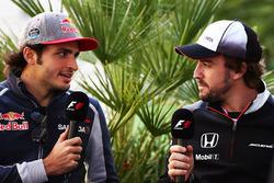 Carlos Sainz Jr., Scuderia Toro Rosso und Fernando Alonso, McLaren