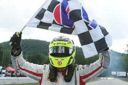 Race winner Renger van der Zande, Starworks Motorsports