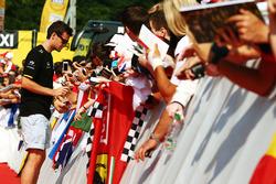 Jolyon Palmer, Renault Sport F1 Team con los fans