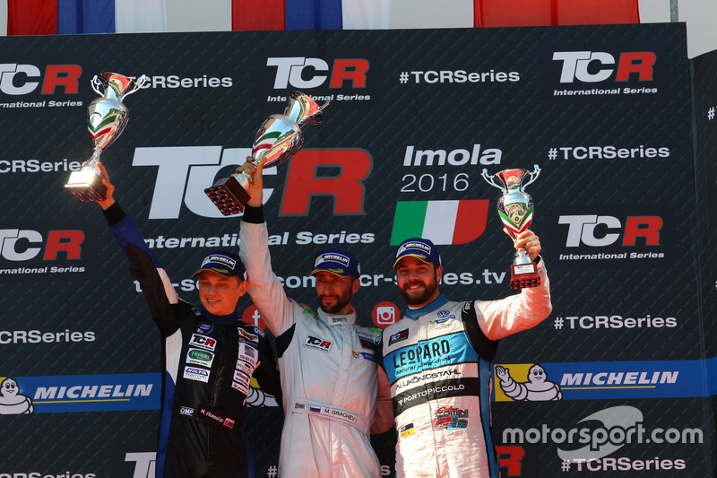 Podium: second place Mato Homola, B3 Racing Team Hungary, SEAT León TCR: third place Stefano Comini,