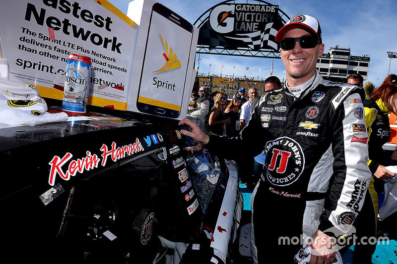 Race winner: Kevin Harvick, Stewart-Haas Racing Chevrolet