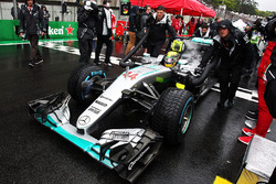 Lewis Hamilton, Mercedes AMG F1 W07 Hybrid on the grid