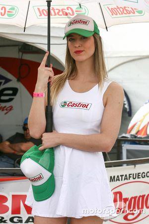 Chica de la parrilla, Castrol