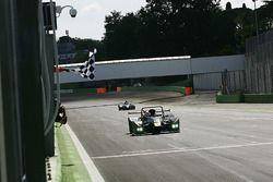 Ivan Bellarosa, Avelon Formula, Wolf GB08 Tornado-CNT prende la bandiera a scacchi e conquista la vi