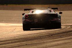 Экипаж №61 команды Clearwater Racing, Ferrari 488 GTE: Мок Вен Сунь, Мэтт Гриффин, Кеита Сава