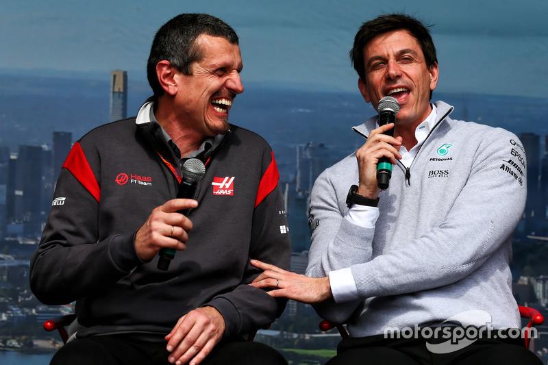 Керівник Haas F1 Гюнтер Штайнер, керівник Mercedes AMG F1 Тото Вольфф
