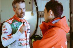 Tiago Monteiro, Castrol Honda World Touring Car Team e Ryo Michigami, Honda Racing Team JAS