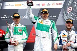 Podium AM: les vainqueurs #488 Rinaldi Racing, Ferrari 488 GT3: Pierre Ehret, Rino Mastronardi