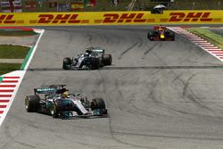 Lewis Hamilton, Mercedes AMG F1 W08, Valtteri Bottas, Mercedes AMG F1 W08, Daniel Ricciardo, Red Bull Racing RB13