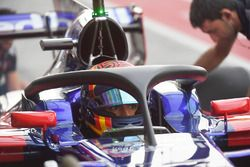 Carlos Sainz Jr., Scuderia Toro Rosso STR12 avec le Halo