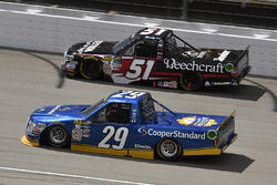 Chase Briscoe, Brad Keselowski Racing Ford and Kyle Busch, Kyle Busch Motorsports Toyota