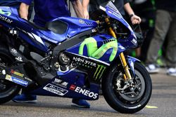 Agujeros en Yamaha Factory Racing Carenado
