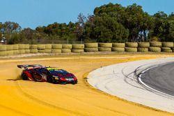 #23 JBS Australia Lamborghini R-EX: Roger Lago runs out