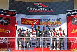 Podio: i vincitori della gara Jordan Taylor, Ricky Taylor, Wayne Taylor Racing, al secondo posto Eri