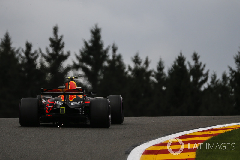 Max Verstappen, Red Bull Racing RB13 and sparks