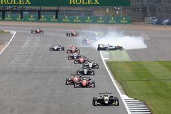 Lando Norris, Carlin, Dallara F317 - Volkswagen precede Nikita Mazepin, Hitech Grand Prix, Dallara F