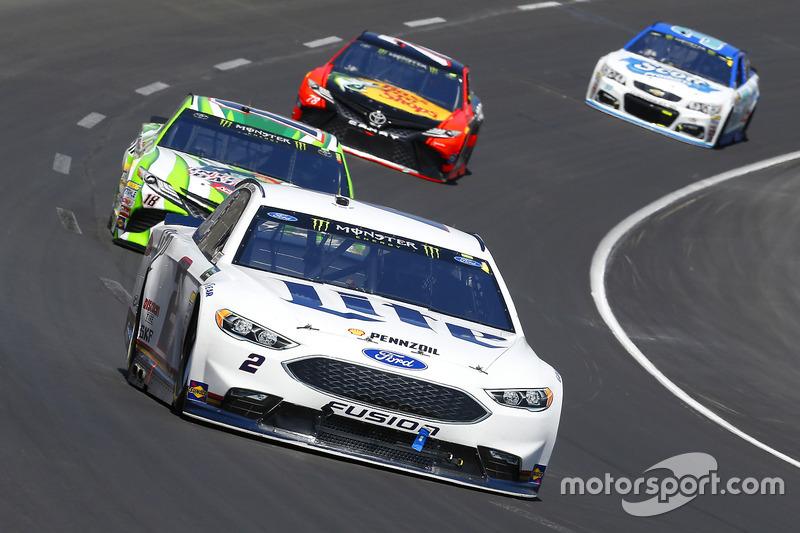 Brad Keselowski, Team Penske, Ford; Kyle Busch, Joe Gibbs Racing, Toyota
