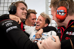 Ryan Walkinshaw, Walkinshaw Racing, Warren Luff, Walkinshaw Racing