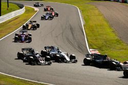 Kevin Magnussen, Haas F1 Team VF-17, Romain Grosjean, Haas F1 Team VF-17, Lance Stroll, Williams FW4