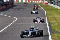 Valtteri Bottas, Mercedes AMG F1 W08, Sergio Perez, Sahara Force India F1 VJM10, Felipe Massa, Williams FW40