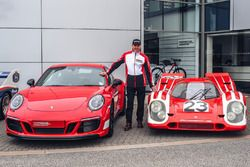Richard Attwood, Porsche 911 Carrera GTS 4 British Legends Edition