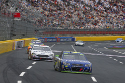 Jimmie Johnson, Hendrick Motorsports Chevrolet and Trevor Bayne, Roush Fenway Racing Ford