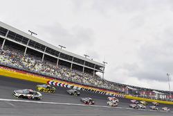Kevin Harvick, Stewart-Haas Racing Ford, Brad Keselowski, Team Penske Ford