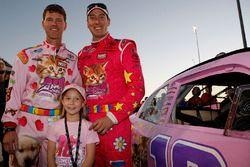 Jason Ratcliff, Kyle Busch and Lennon Wynn on the grid