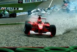 Départ : accident de Michael Schumacher, Ferrari F1 2000