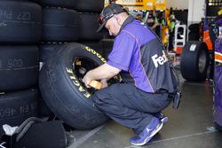Denny Hamlin, Joe Gibbs Racing Toyota, crew member