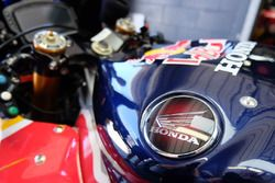 Gros plan sur la CBR1000RR du Honda World Superbike Team