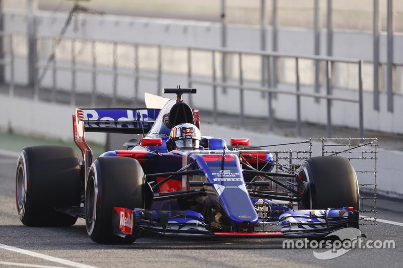 Carlos Sainz Jr., Toro Rosso STR12 Renault