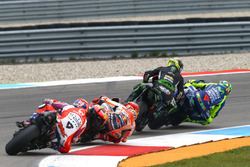 Johann Zarco, Monster Yamaha Tech 3 si tocca con Valentino Rossi, Yamaha Factory Racing