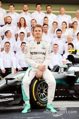 Nico Rosberg, Mercedes AMG F1 lors d'une photo de l'équipe