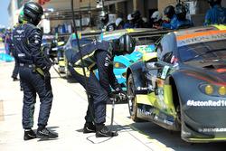 Механики команды Aston Martin Racing