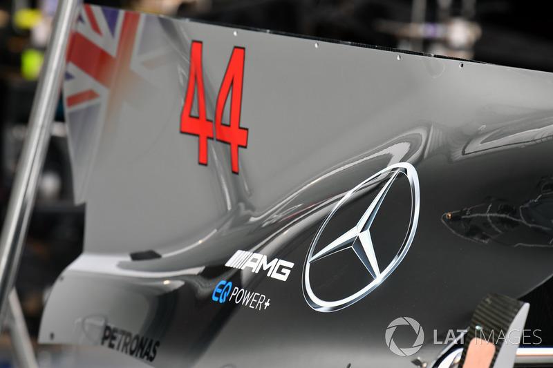 Mercedes-Benz F1 W08, dettaglio della pinna